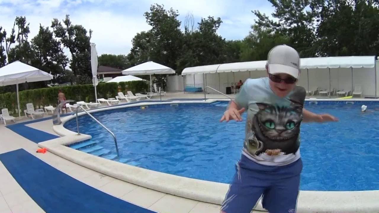 Лёва супер танцор !!! Leo super dancer ! entertainment for children