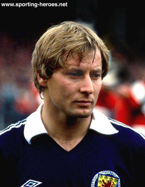 296729d65cb Asa Hartford - Scotland - Scottish International football Caps ...