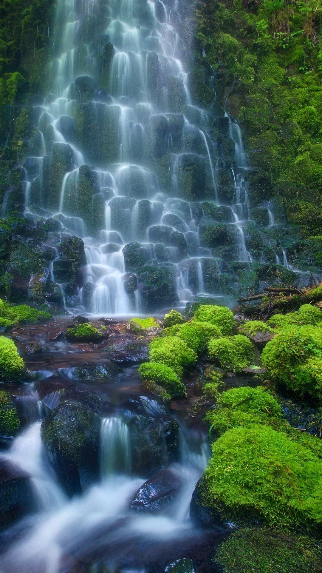 Beautiful Waterfall Android Background > Flip Wallpapers