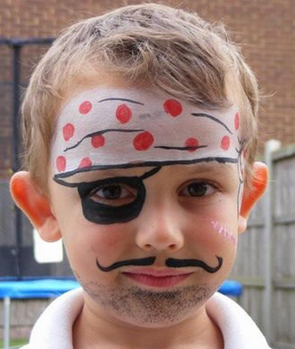 30 Cool Face Painting Ideas For Kids Hative Face Painting Halloween Face Painting Designs Pirate Face Paintings