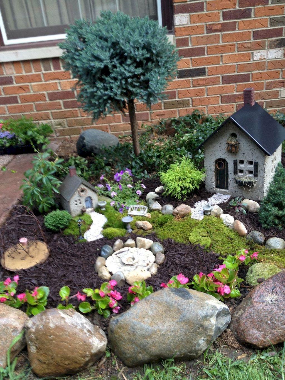 120 Amazing Backyard Fairy Garden Ideas On A Budget Homeastern Com Fairy Garden Plants Miniature Garden Mini Garden