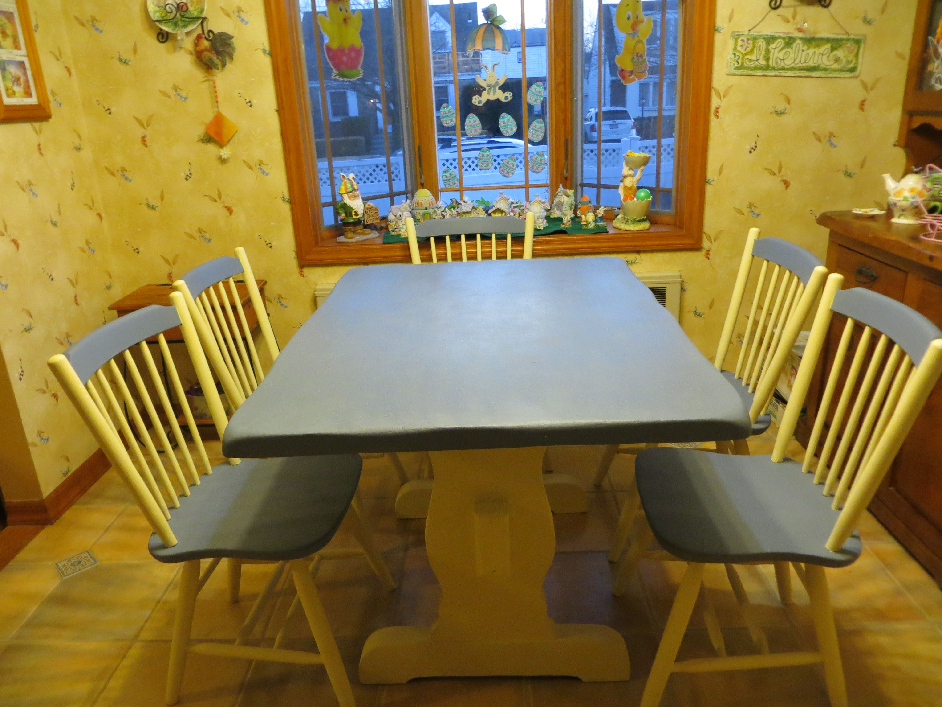 chalk painted kitchen table and chairs diy