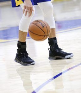 """c0c0341e516a Under Armour Curry 5 """"Pi Day"""" Performance Review"""