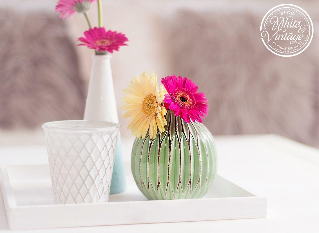 Frühlingshafte Farben fürs Wohnzimmer (mit Bildern ...