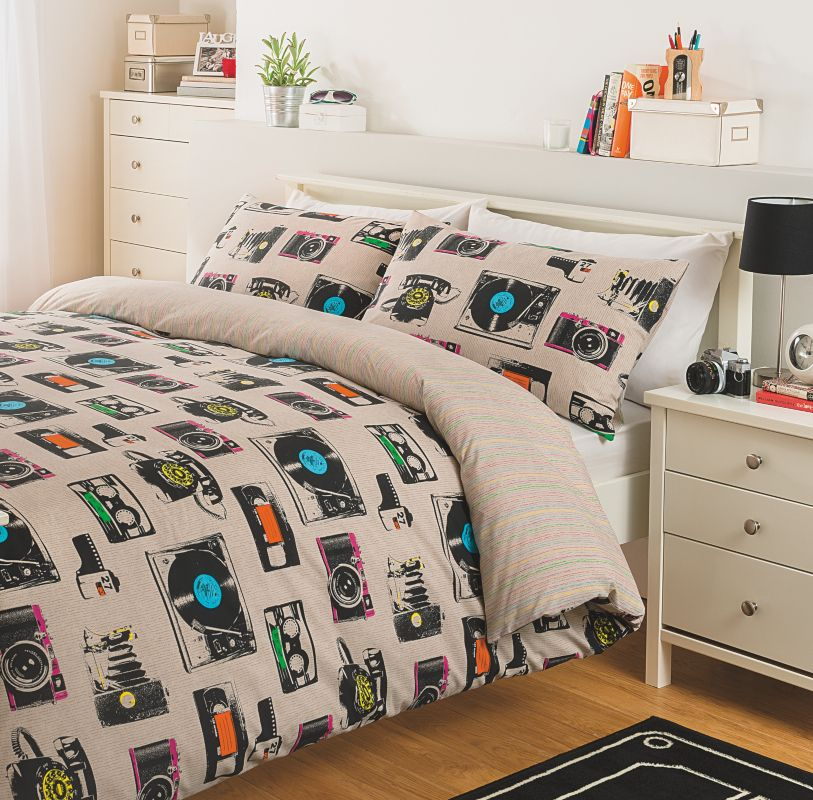 LOVE this duvet cover set from George Home, Asda! Retro vinyls and vintage cameras, need!
