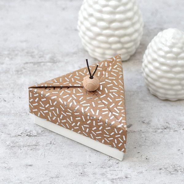 Triangular slip box -  Triangular slip box | News on our blog | Blog | New | Steckenpferdchen My online shop for creative  - #Box #diyjewelrymaking #pandoracharms #slip #triangular