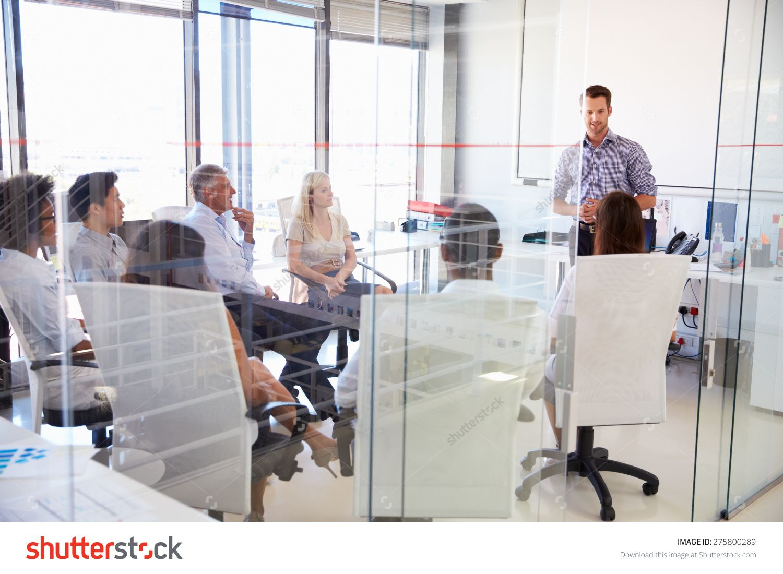 Business meeting in a modern office imagen de archivo