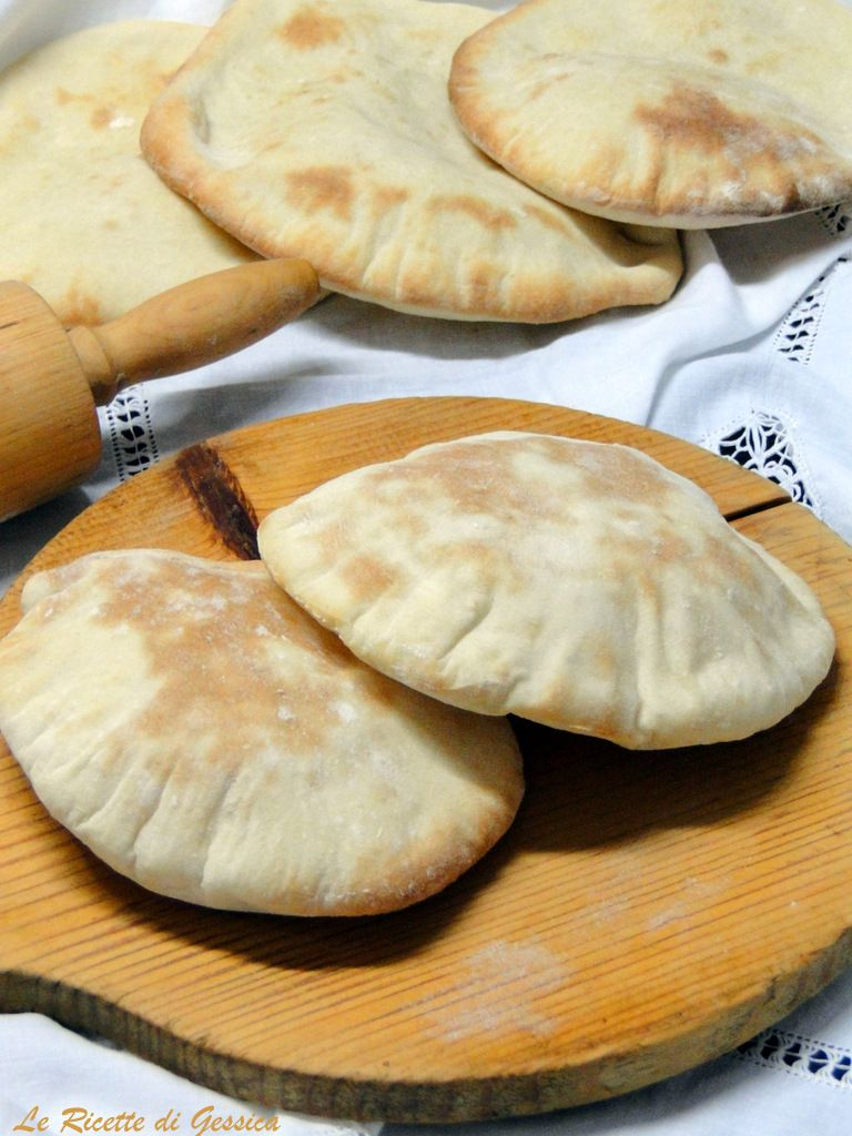 Ricetta Pane Arabo Per Kebab Bimby.Pane Pita Per Kebab E Panini Alla Piastra Anche Bimby Le Ricette Di Gessica Ricette Ricette Di Cucina Pane Pita