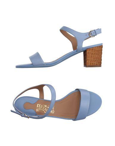 SALVATORE FERRAGAMO Sandals. #salvatoreferragamo #shoes #sandals