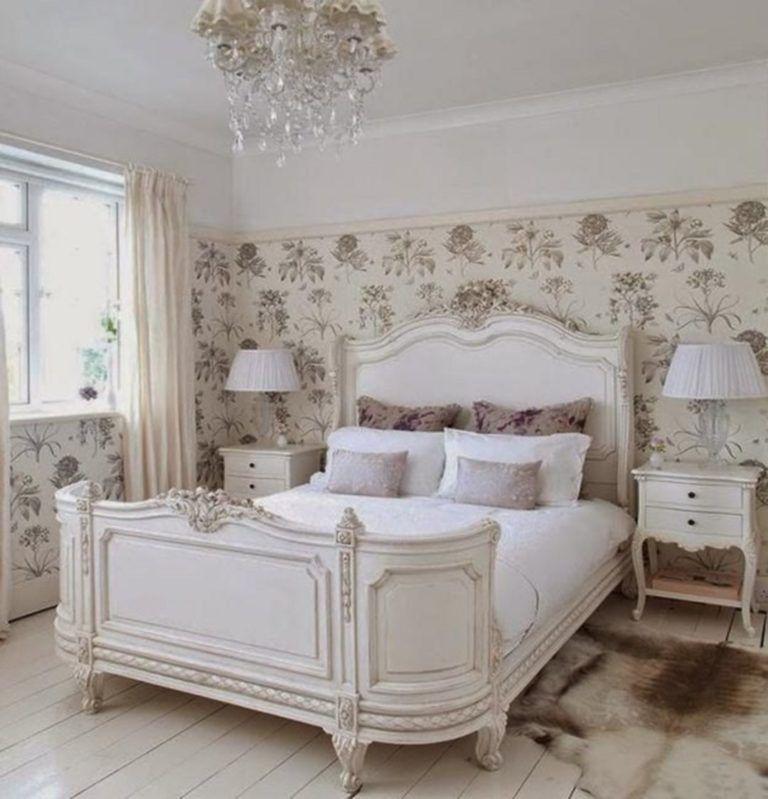Elegant French Style Bedroom Decor 10