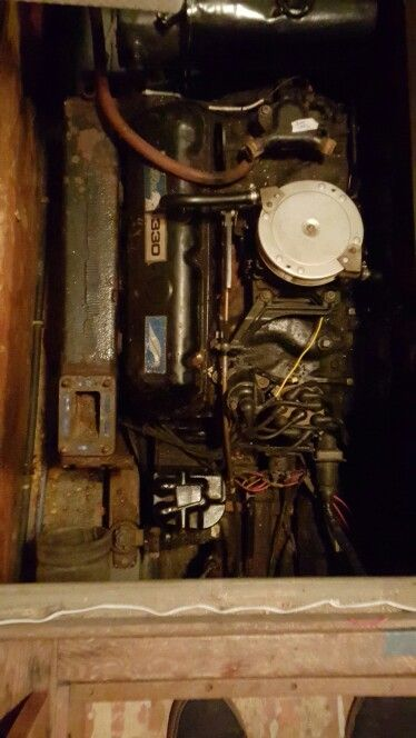 Engine work: Mercruiser Big Block 454, MIE 330 (B-W) drive, 7 4L