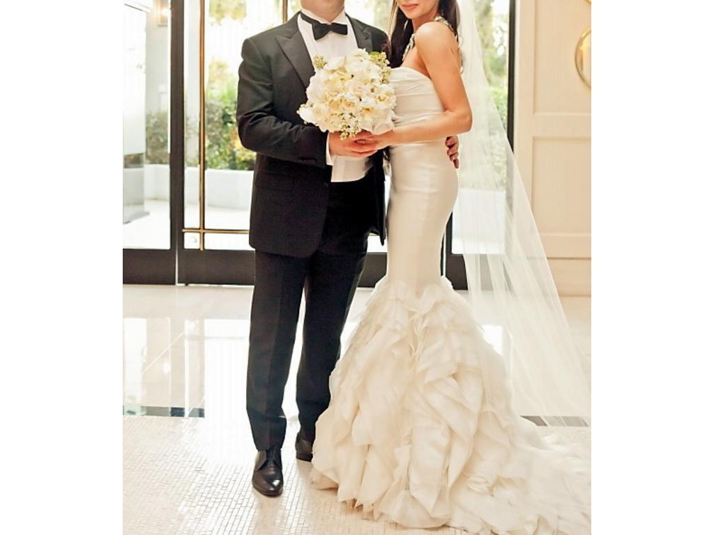 Vera Wang Ethel, $3,000 Size: 2 | Used Wedding Dresses | Veil ...