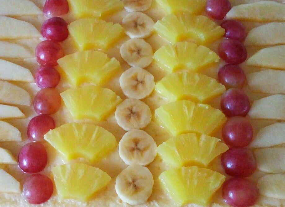 Hojaldre con crema pastelera y fruta