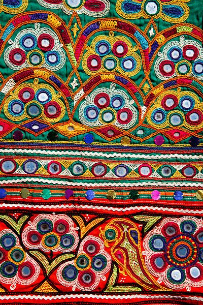 Indian Embroidered Sarees: Pin By Fer Villagra Serra On Textiles