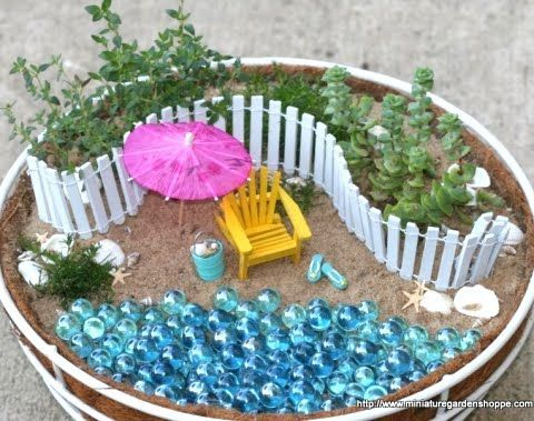 Miniature Gardens With A Beach Theme In Pots And Baskets This Is Soooo Cute Im Going To Try Fairy Garden Designs Beach Fairy Garden Miniature Fairy Gardens