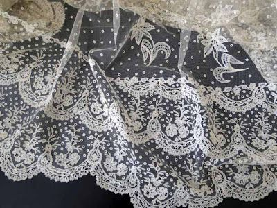 "MAGNIFICENT  BRUSSELS LACE ""LILY VEIL""W/PROVENANCE. A museum piece , RARE and WONDERFUL!"