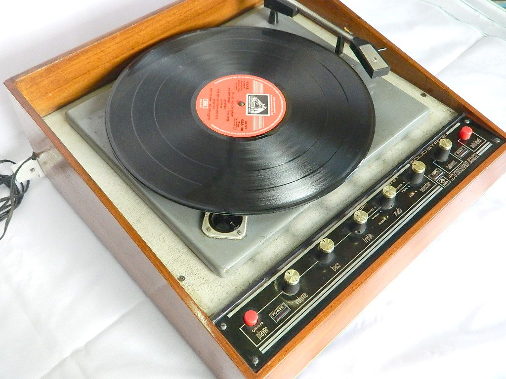 Df C C C Fde on Record Player Solid State Stereo Systems