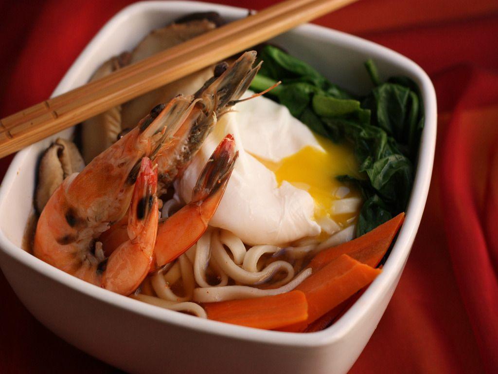 Udon Noodle soup Udon noodle soup, Udon noodles, Dashi
