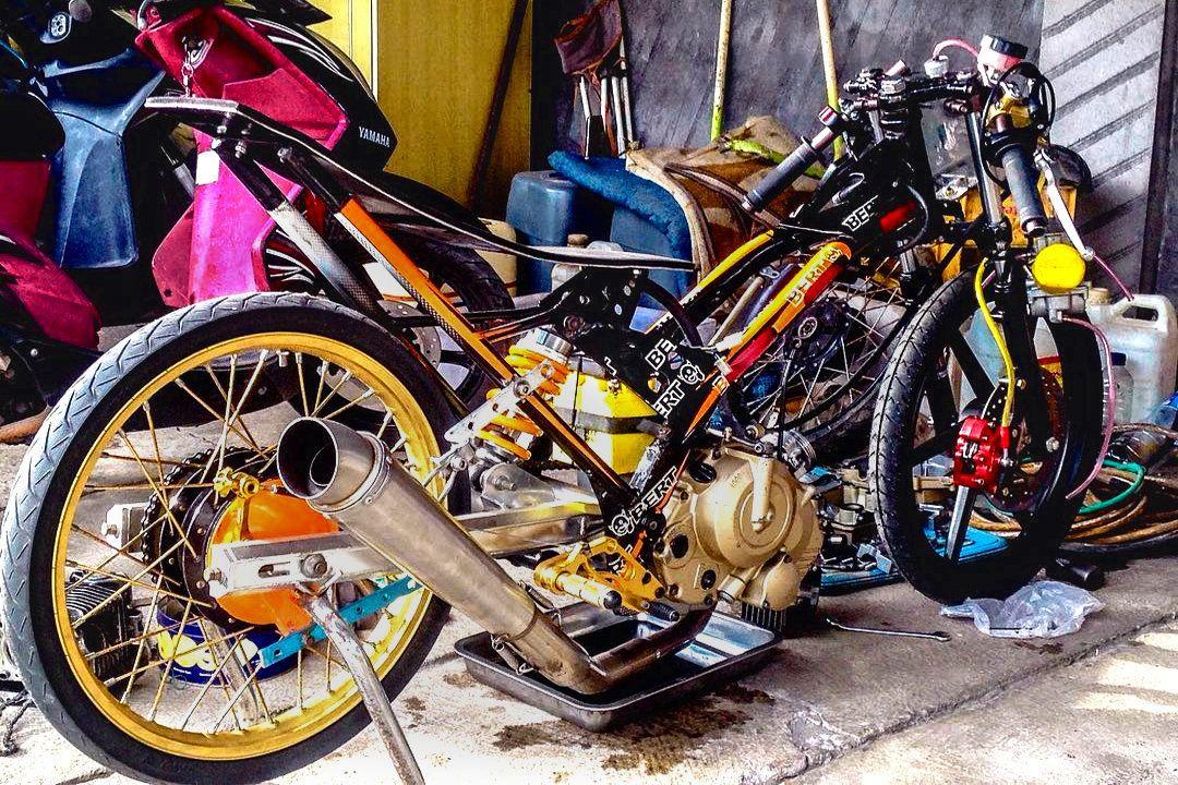 55 Foto Gambar Modifikasi Motor SATRIA FU Drag Race Style
