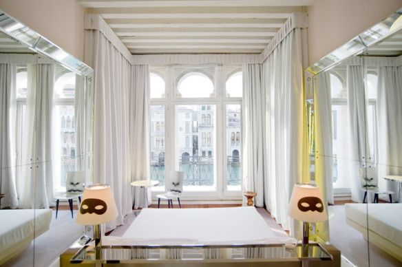 Palazzina Grassi on theperfectvelcetroom