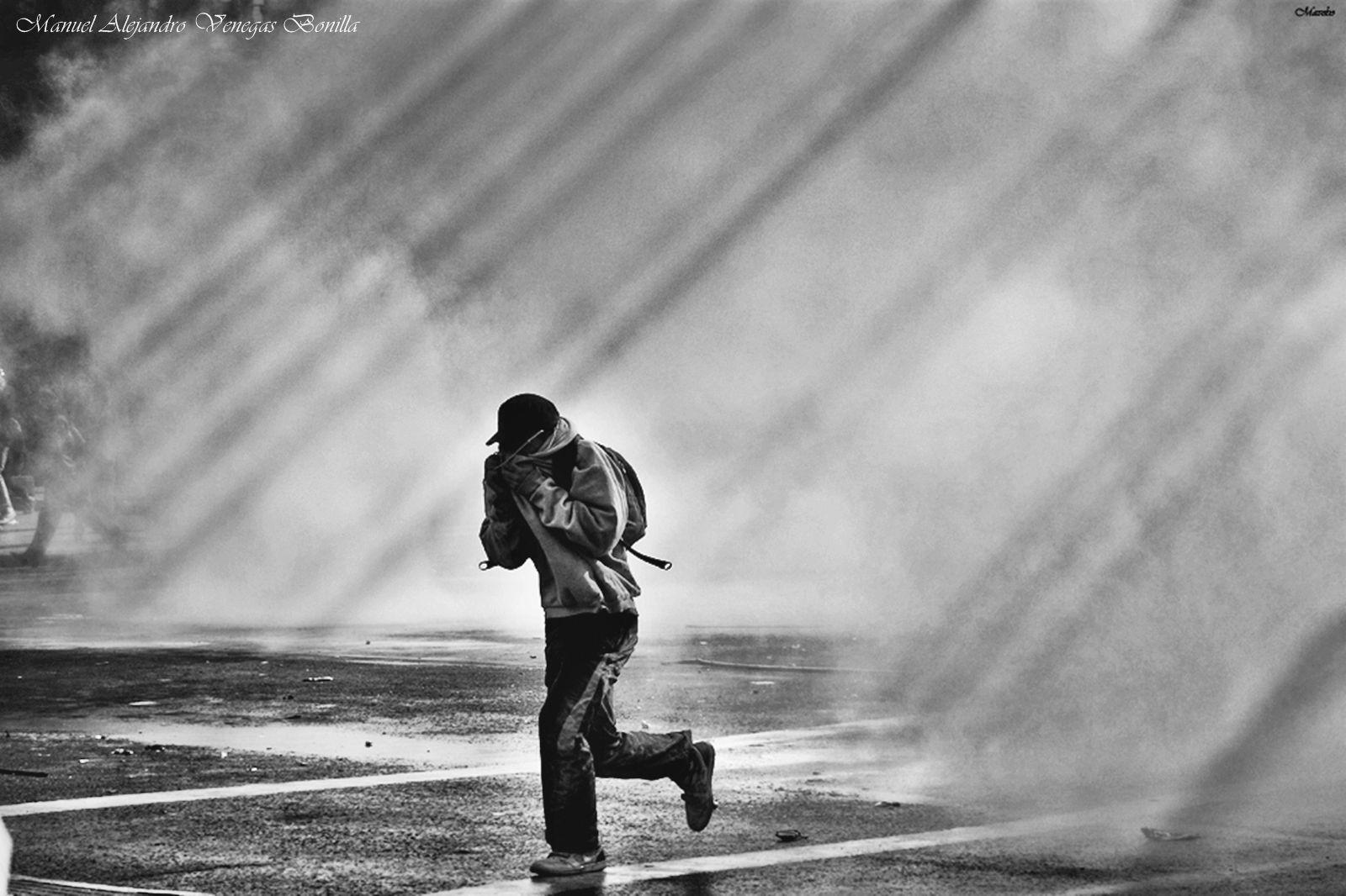 Lo bello de una protesta by Manuel Alejandro Venegas Bonilla #photojournalismphotography #photography