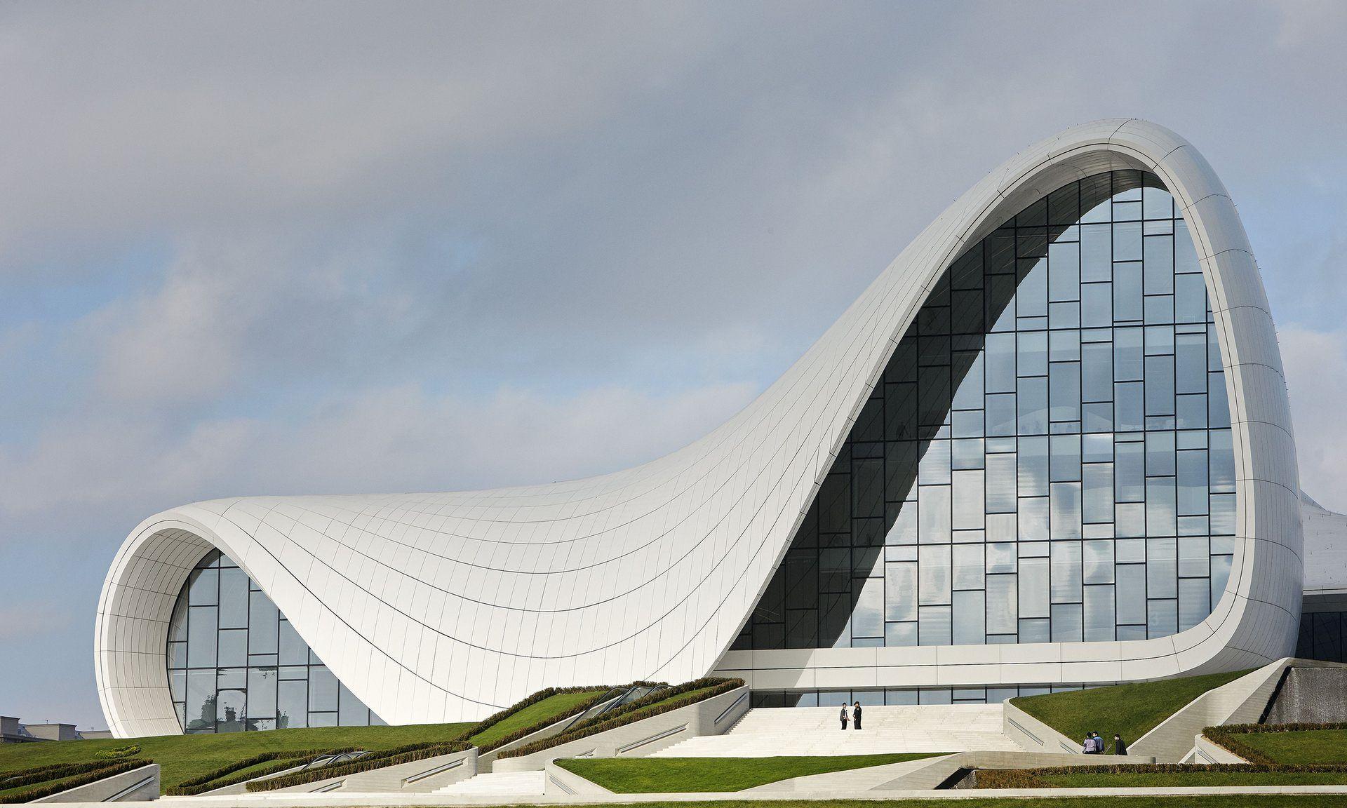 Nos sumamos al homenaje internacional a una gran figura de la #arquitectura   contemporánea: Zaha Hadid.  Nos queda su esencia y encomiable legado