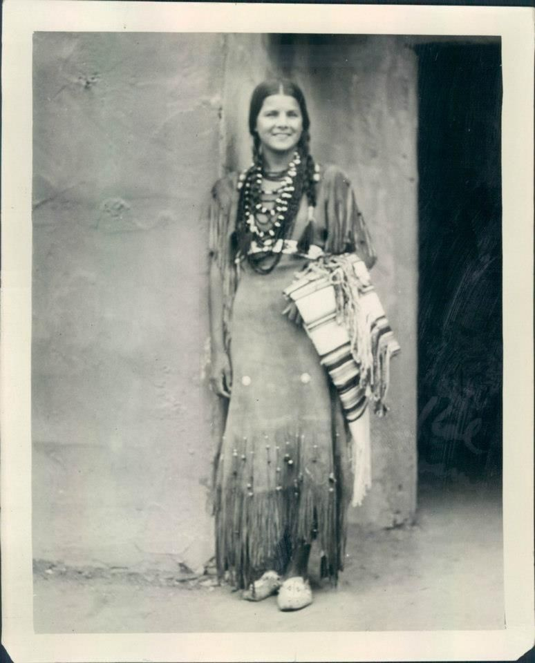 1937 Miss Indian America Princess Lou-scha-enya of the Chickasaws