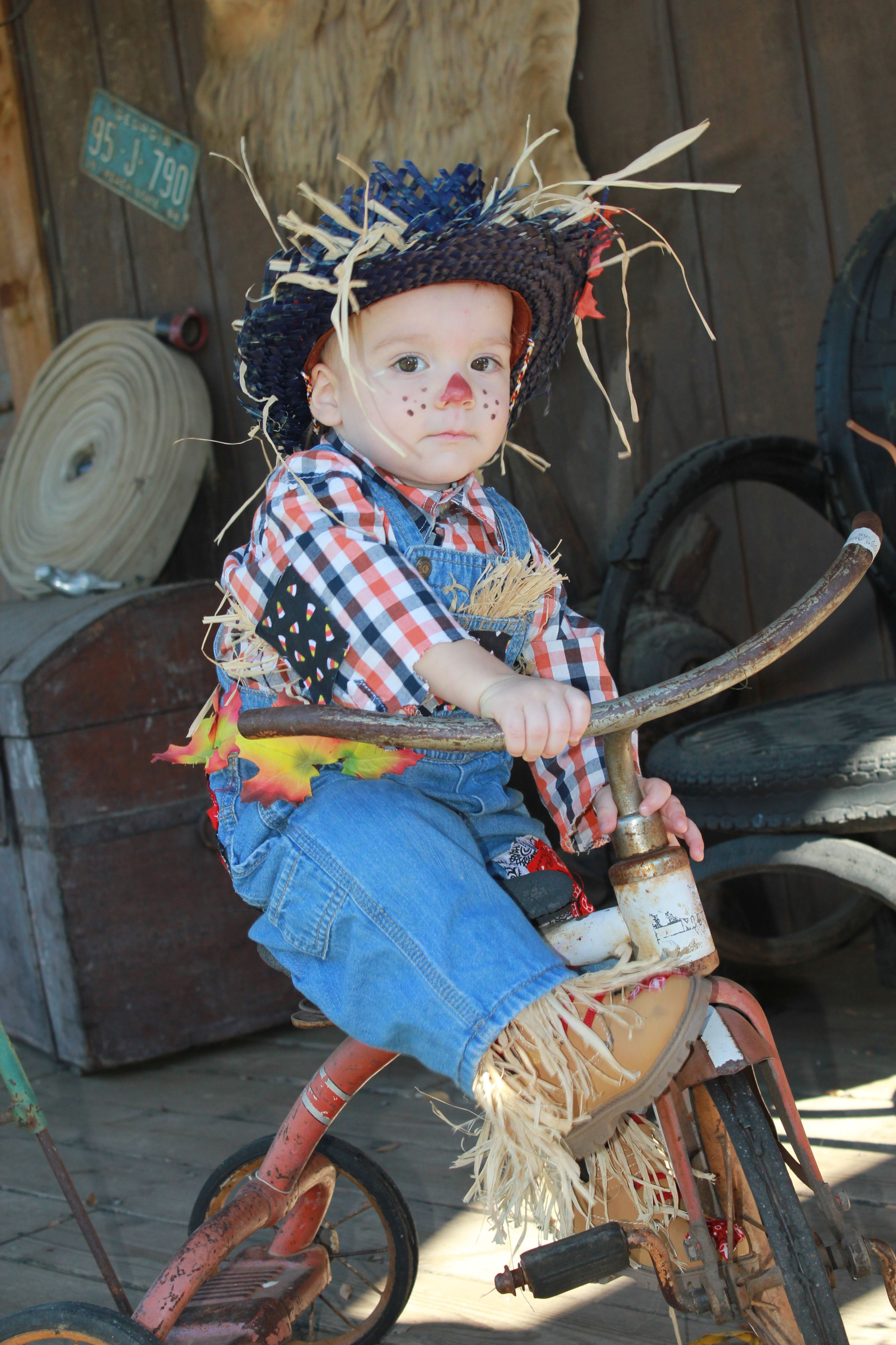 DIY Toddler Scarecrow Costume Toddler scarecrow costume