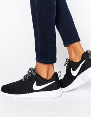 Nike Roshe Trainers In Black And White