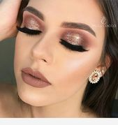 wedding makeup burgundy #wedding #makeup #weddingmakeup Burgundy and gold makeup #Burgundy #gold #Makeup #weddingmakeupburgundy #hair #love #style #beautiful #Makeup #SkinCare #Nails #beauty #eyemakeup #style #eyes #model #hairmakeup