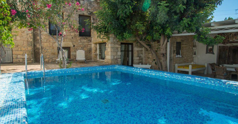 Kreta Sudkuste Das Traditionelles Naturstein Ferienhaus Villa Chrissie Marie Mit Pool Ist Mit Viel Liebe Z Ferienhaus Griechenland Ferienhaus Kreta Ferien