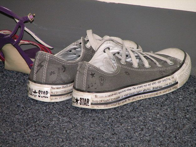 pretty nice 32a5e a03b7 Drawing on the rubber of your Converse.   24 Things You Did To Be Cool At  School That Aren t Cool Now