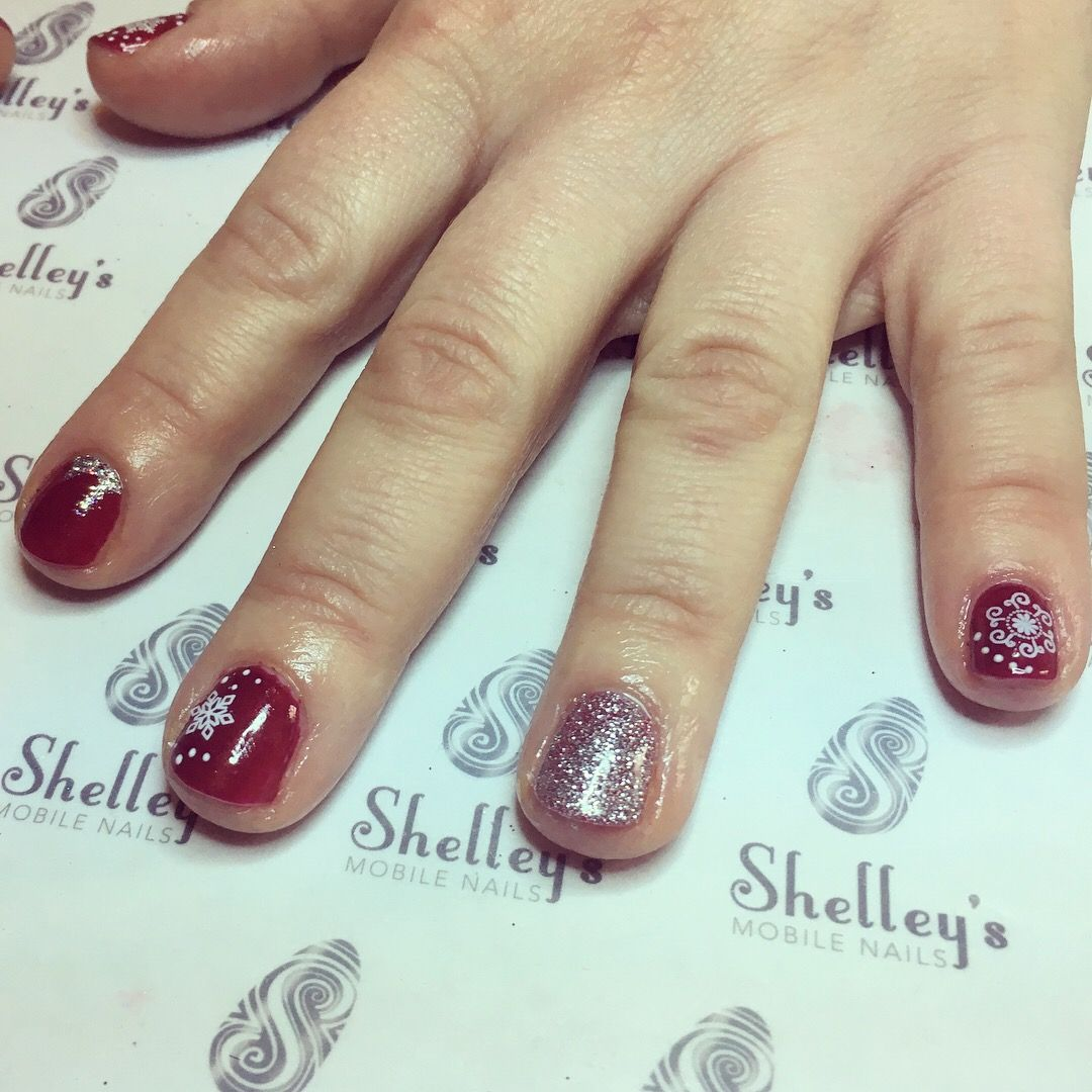 Red Christmas scene nails shelleysmobilenails purenails