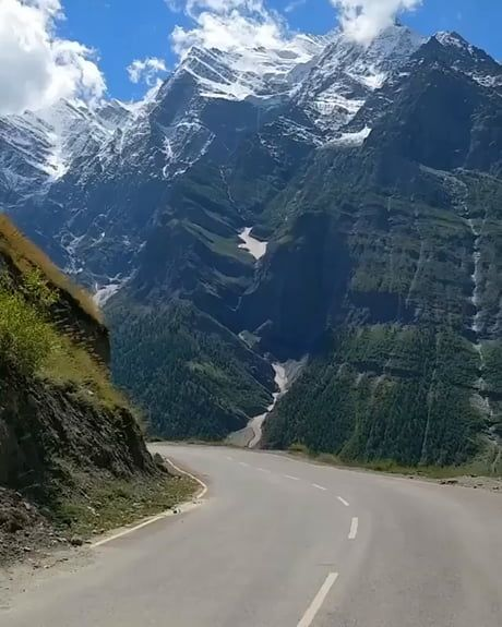 5 Gorgeous Roads To Ride In India India Travel Places Road Trip Fun Road Trip Places