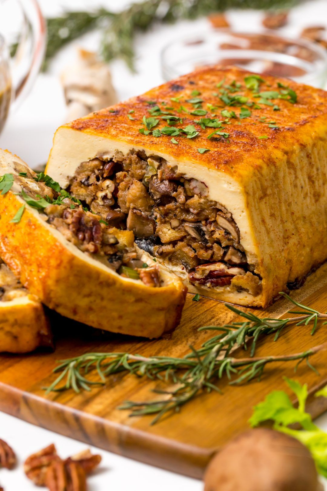 Vegans Rejoice A Tofurky With Mushroom Stuffing And Gravy Is All You Need For A Perfect Thanksgiving Dinner Recipe Tofurky Stuffed Mushrooms Main Dish Recipes
