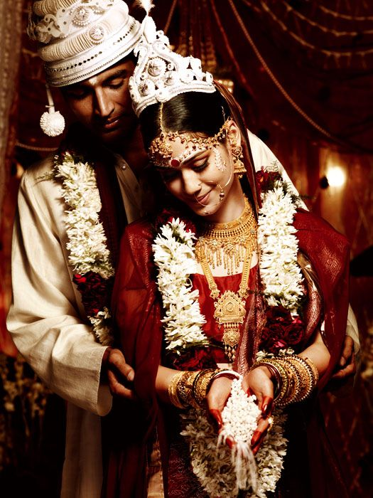 20 Gorgeous Indian Wedding Photographs From Tanishq Wedding Design