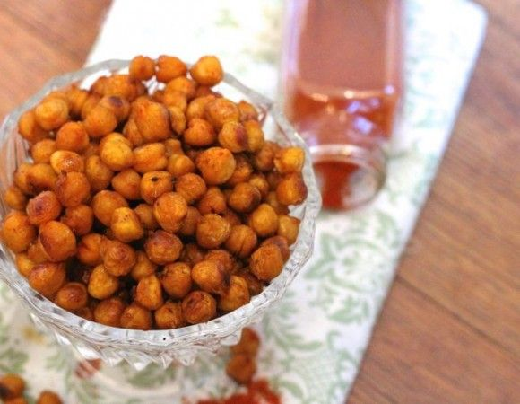 Sriracha Roasted Chickpeas Recipe - spicy and delicious -from ZagLeft