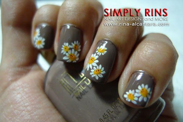 Gray grey with daisies nails
