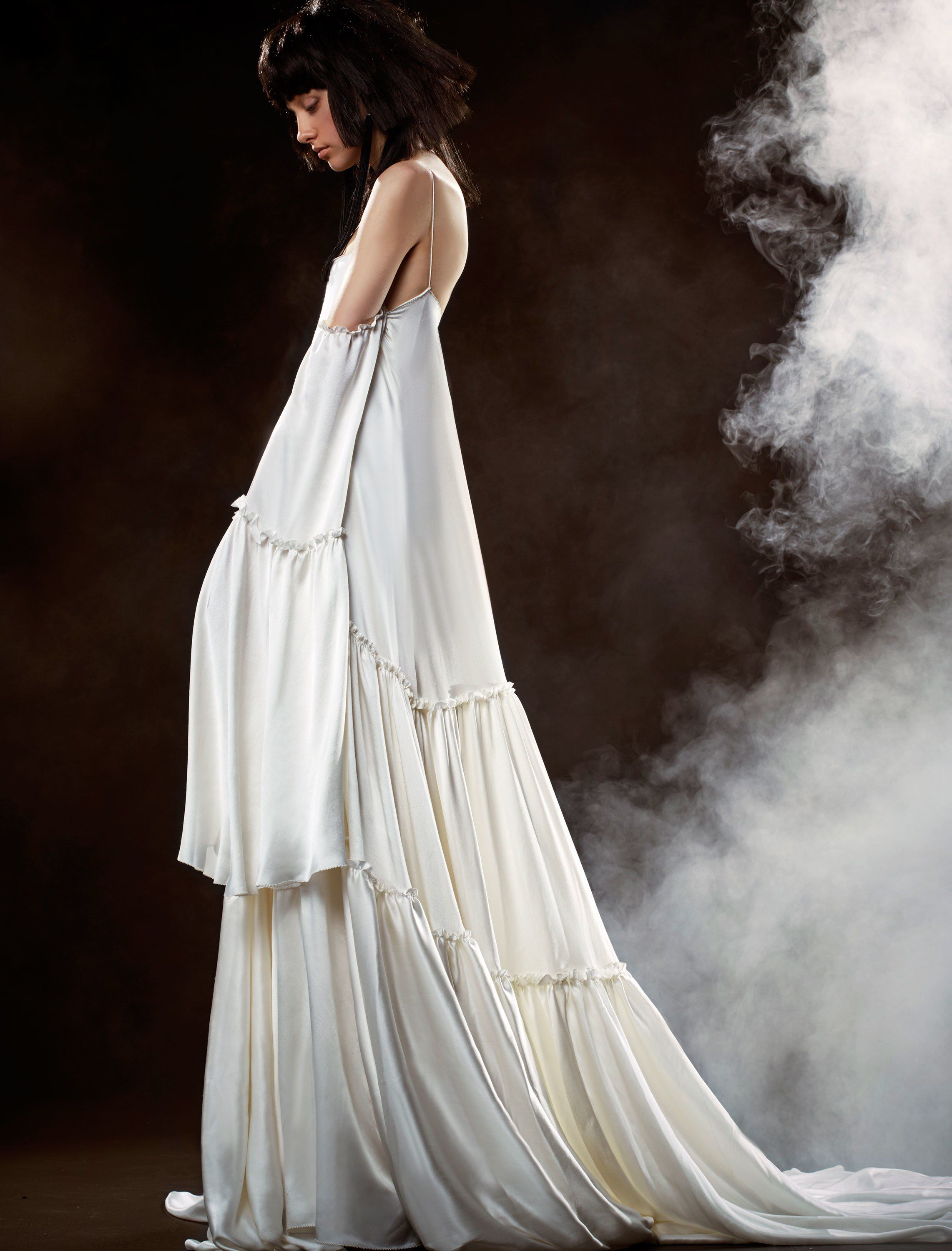 37335942498 See the complete Vera Wang Bridal Spring 2018 collection.