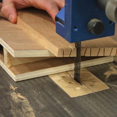 Photo of Dovetail jig on band saw