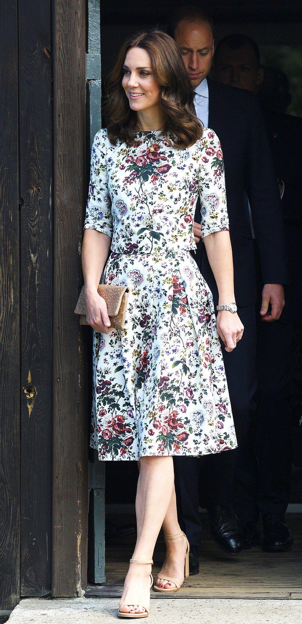 0dc5380eab6 Kate middleton short dress sorğusuna uyğun şekilleri pulsuz yükle ...