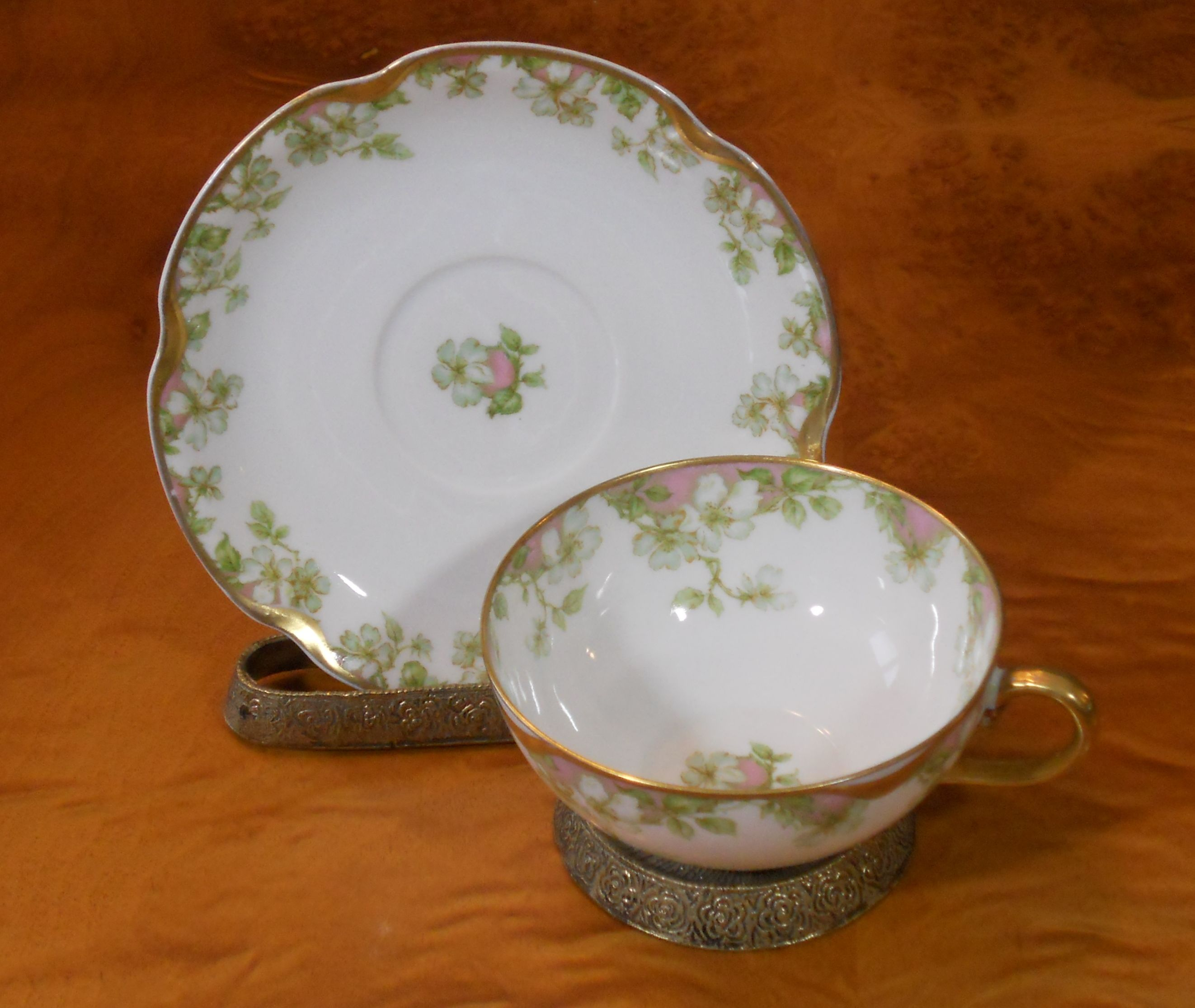 Many more matching china pieces.