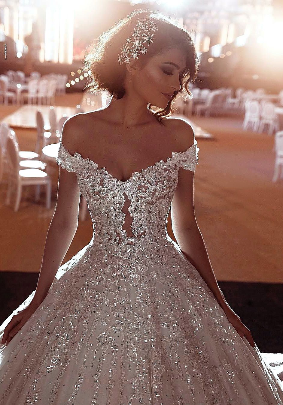 49 Wedding Dresses Different Decoraitons And Bride Hairstyles Ideas Page 24 Of 49 Womens Ideas Sparkle Wedding Dress Princess Wedding Dresses Ball Gowns Wedding [ 1350 x 942 Pixel ]