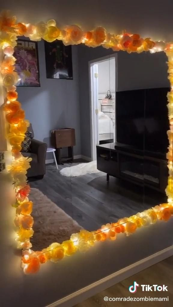 Diy Flower Mirror Video Cute Diy Room Decor Diy Room Decor Videos Diy Flower Mirror