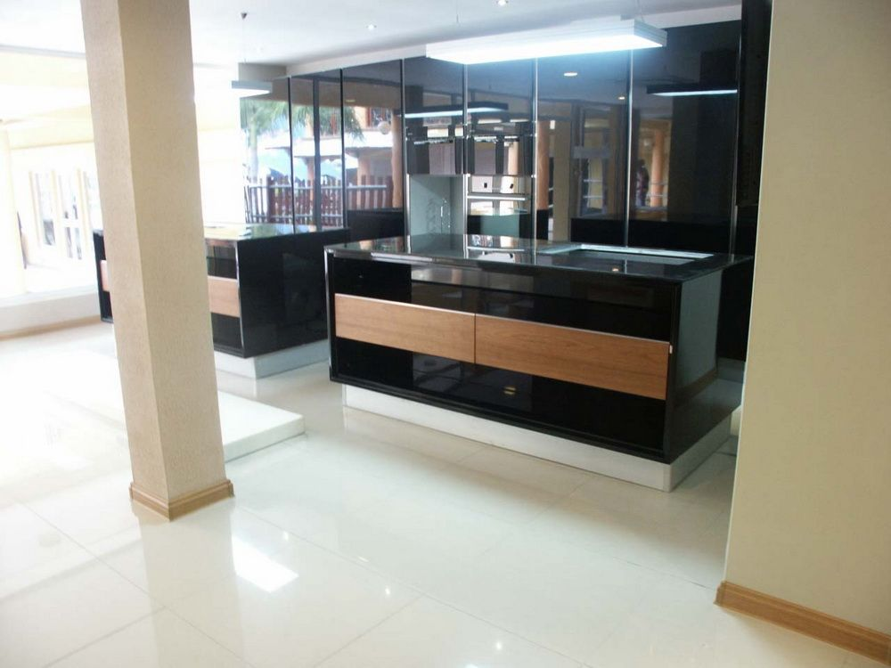Wooden Gate Design Showroom 012: OPPEIN Showroom In Mauritius