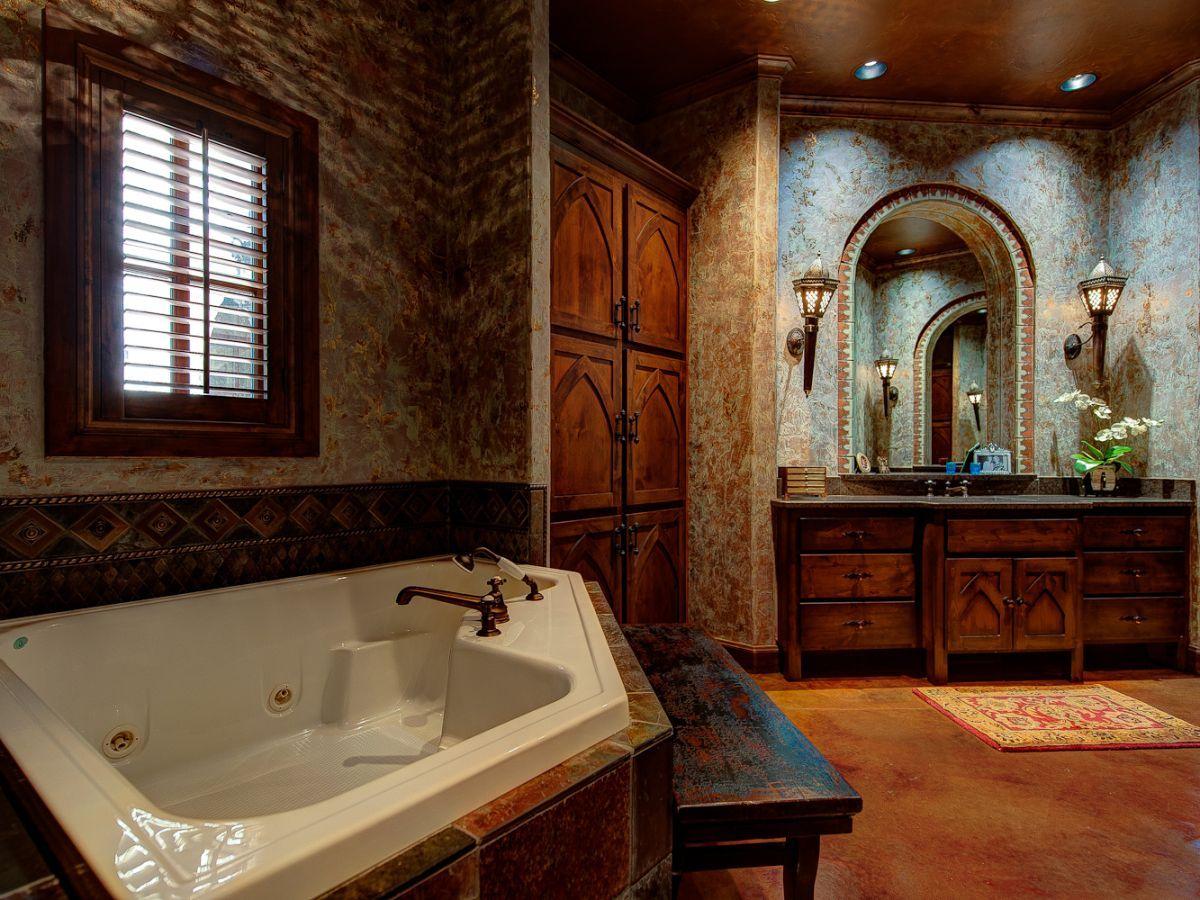 Historic inspirations on interior design - #interiordesign #bathroom
