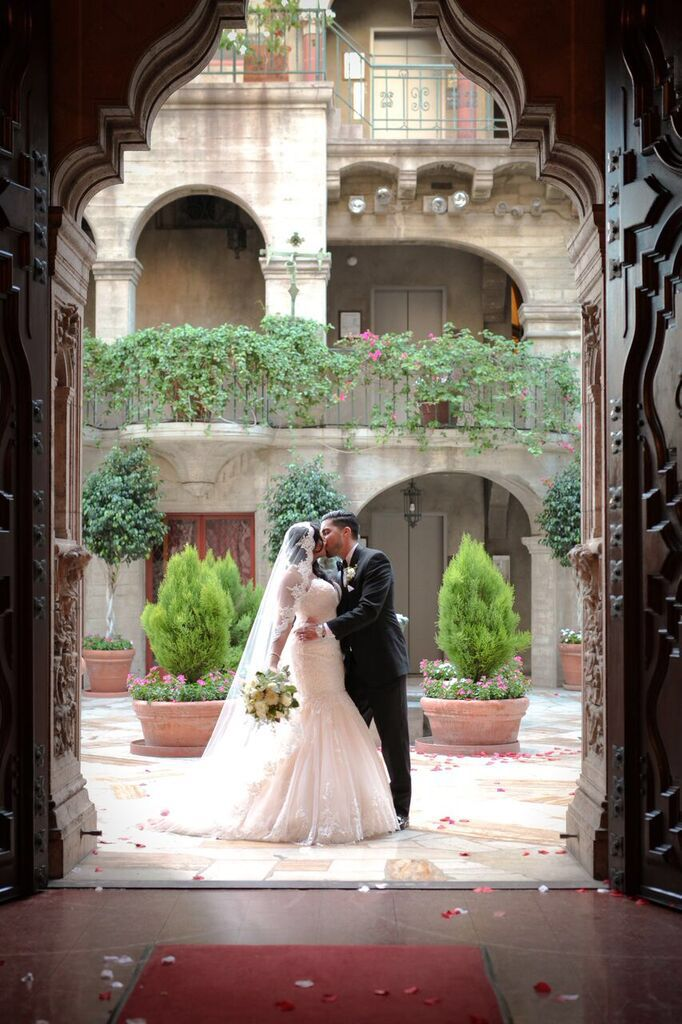 Gorgeous Tuscan Wedding Venue In Southern California The Mission Inn Hotel Spa Tuscan Wedding Fall Wedding Colors Wedding Bride