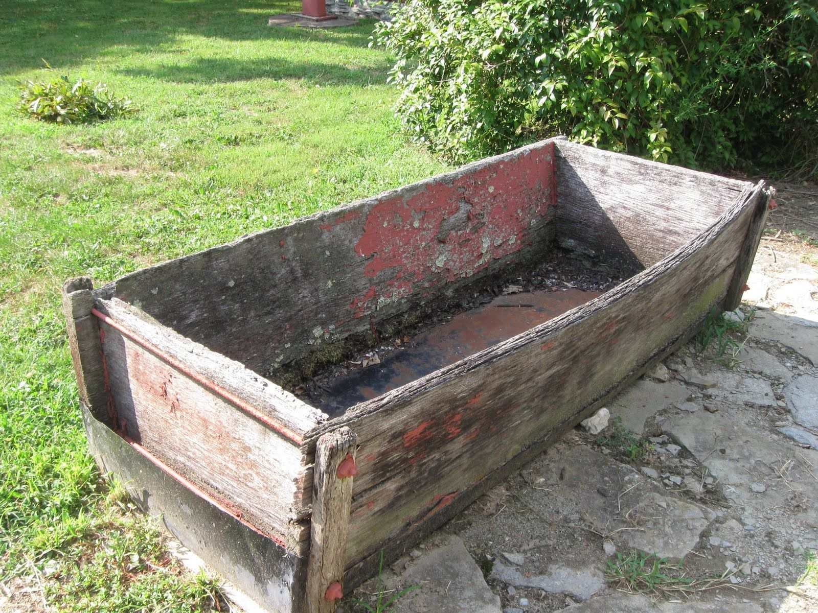 Primitive country gardens - Old Piggy Trough Charlotte S Webgarden Decorationscountry Primitivepigs Country