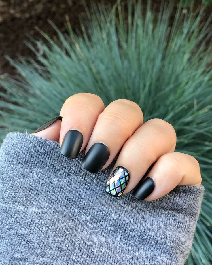 Here Comes The Bride With Some Awesome Nails: Best Press On Nails, Press On