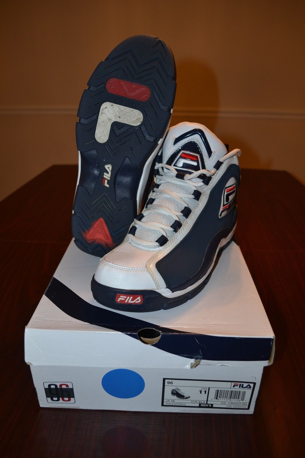 9fbf161e58b Details about Fila men's 96 grant hill white/navy shoes in 2019 ...